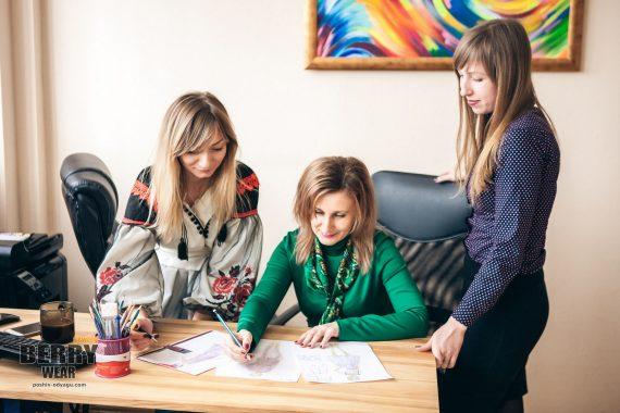 Дизайнер одежды Киев